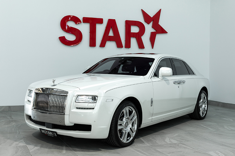 Rolls Royce  Ghost (White)